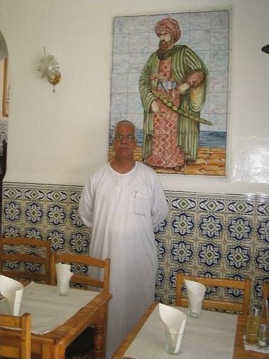 Restoranının Duvarına Barbaros'un Resmini Asmış Bir Cezayirli - www.turkosfer.com