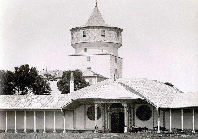 Edirne Sarayı Giriş Kapısı - www.turkosfer.com